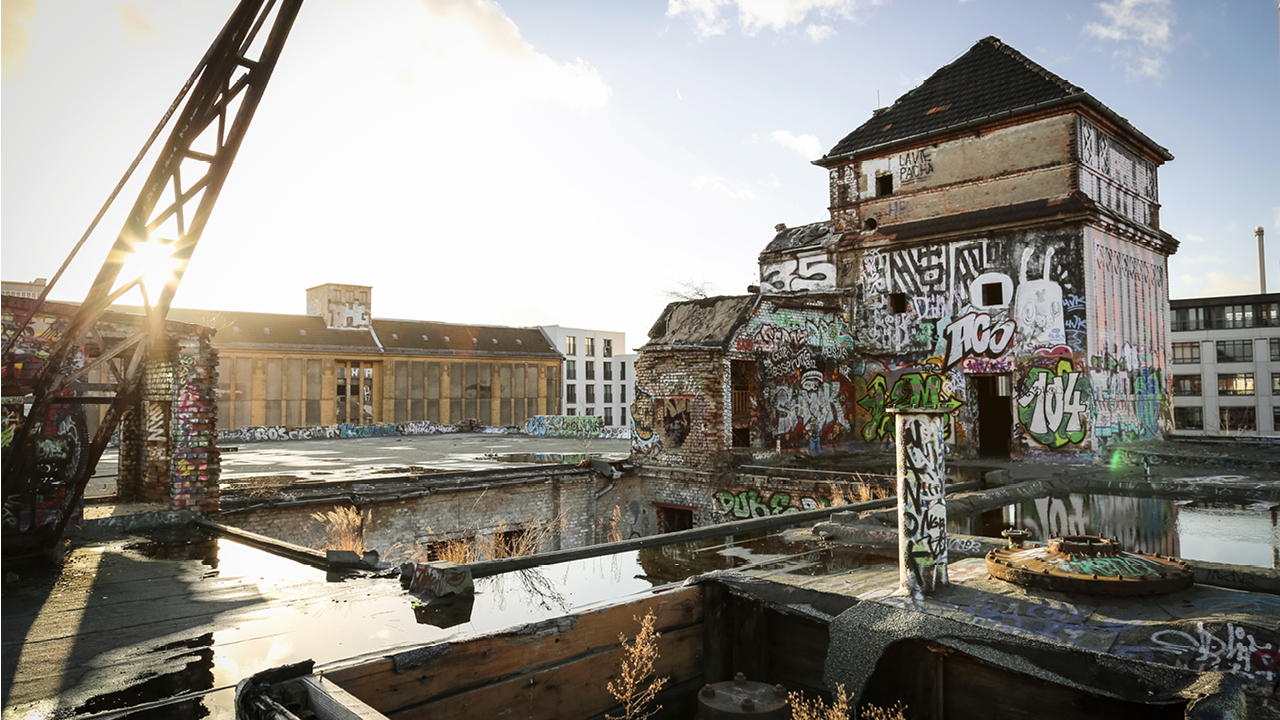 REVITALIZATION OF A HISTORICAL INDUSTRIAL AREA AT RIVER SPREE