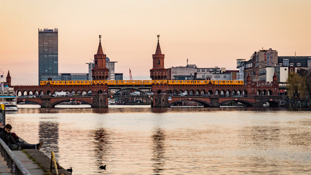 PIER 61|63 – BERLIN LIFESTYLE LIVING AT THE RIVER SPREE